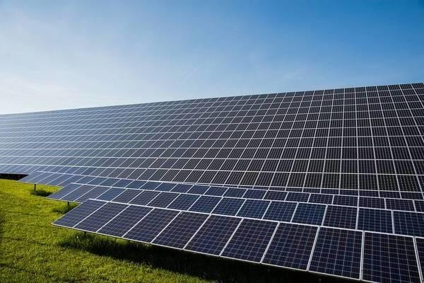 ᐈ Devis | Photo de panneau solaire et panneau solaire pour cloture electrique | Coût moyen & Tarif