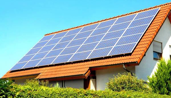 technicien panneau solaire