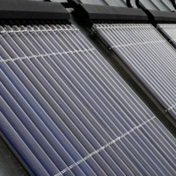 brancher panneau solaire à installation électrique